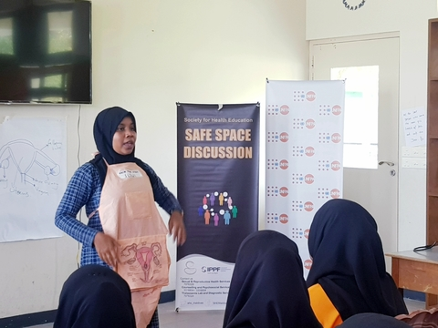 Aisha from SHE informs young girls on the female anatomy and menstrual health
